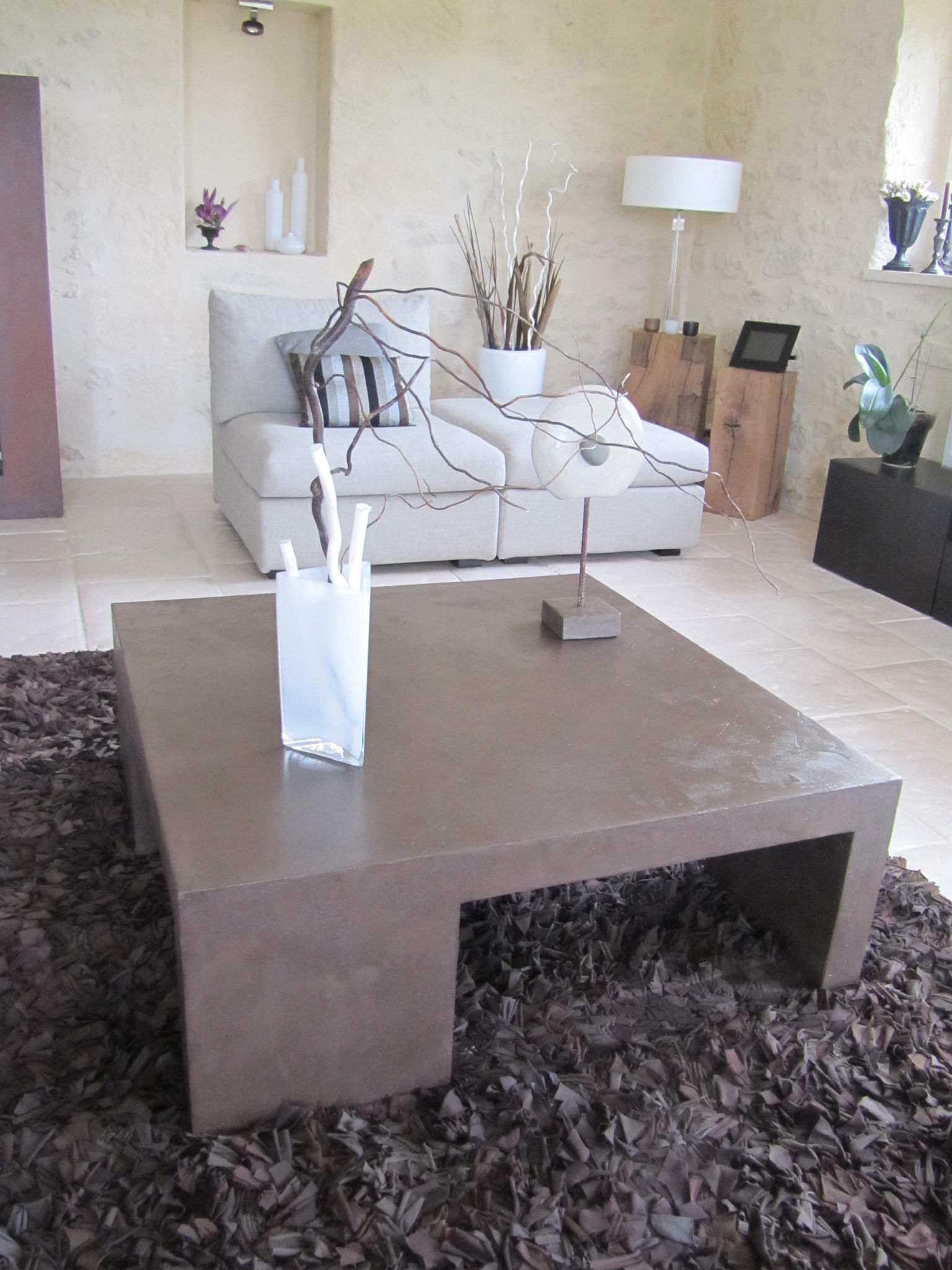 Tables Basses De Salon Pliantes Table Basse De Salon En Beton Cire Photo De Beton Cire