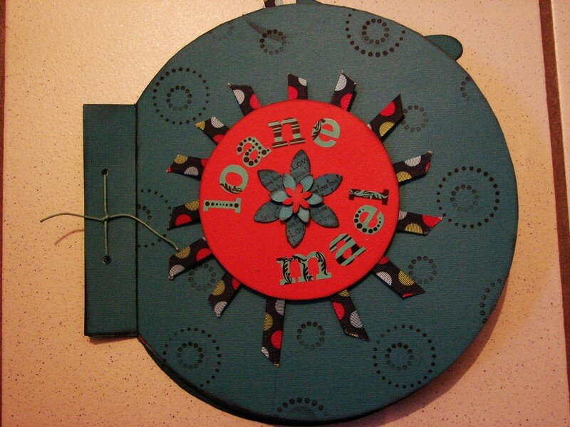Rond Scrap 2007 067 - Photo De Mini Album Rond - Chriscrap