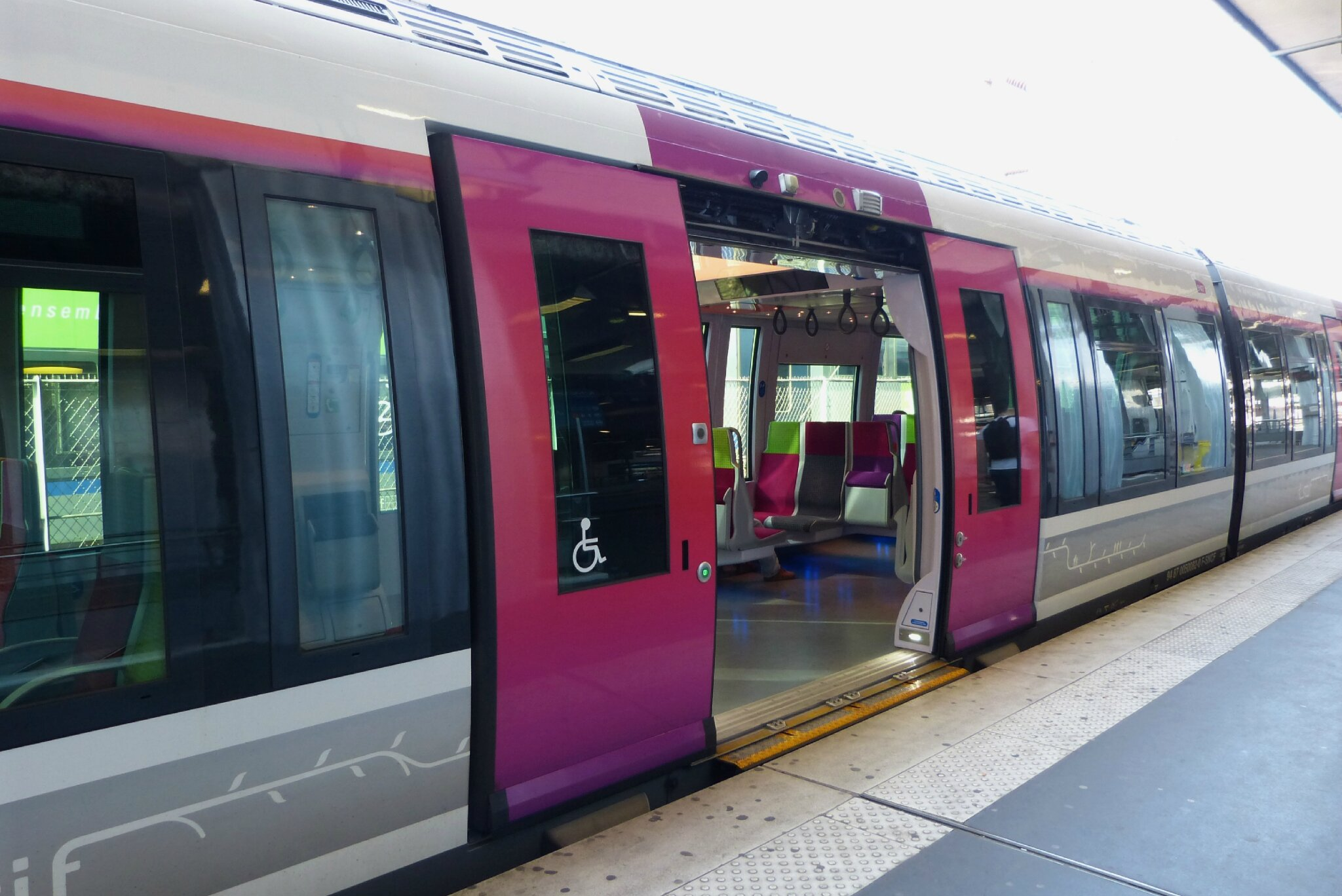 Fauteuils Train Gares Transportparis Le Webmagazine Des Transports
