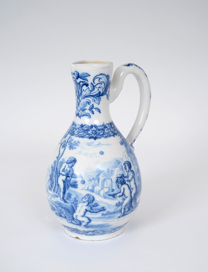 Composition Florale Dans Grand Vase Transparent One Of The Best Delftware Collections Of The Past Decades At Tefaf