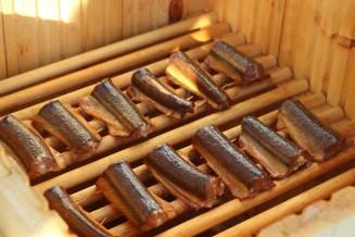 Røgede hornfisk klar til servering