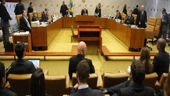 Férias e 13º para prefeitos tem dois votos contra em julgamento no STF