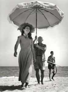 pablo-picasso-with-francoise-gilot-and-nephew