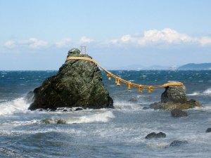 meoto-iwa-rocks