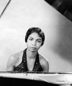 NinaSimone-at-piano