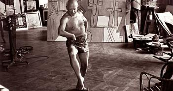 pablo-picasso_dancing-in-his-studio