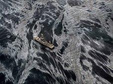 burtynsky_oil-spill-no2