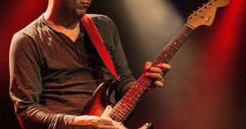 dave-genn-guitar