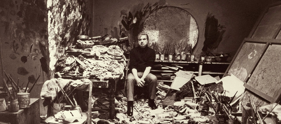 Francis-Bacon_in-his-studio-2