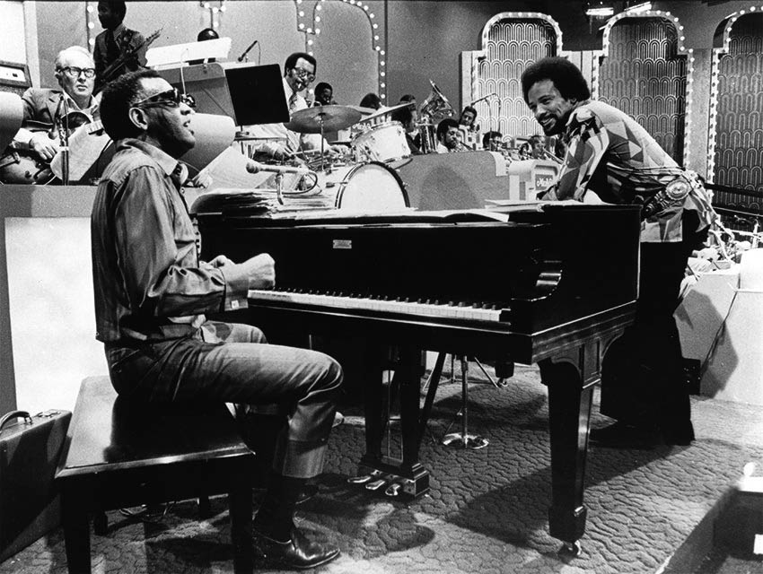 TV-Merv-Griffin-Show-Ray-Charles-piano-Quincy-Jones-early-1970s