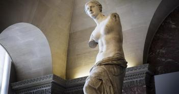 Venus de Milo, 101 BCE marble sculpture 6 feet, 8 inches by Alexandros