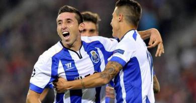 Reds Target Hector Herrera Favours Napoli Transfer Over Liverpool Move?
