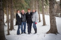 Calgary Family Forest Family Photography, Winter Family Photography, Extended Family Photos, Calgary Family Photographer