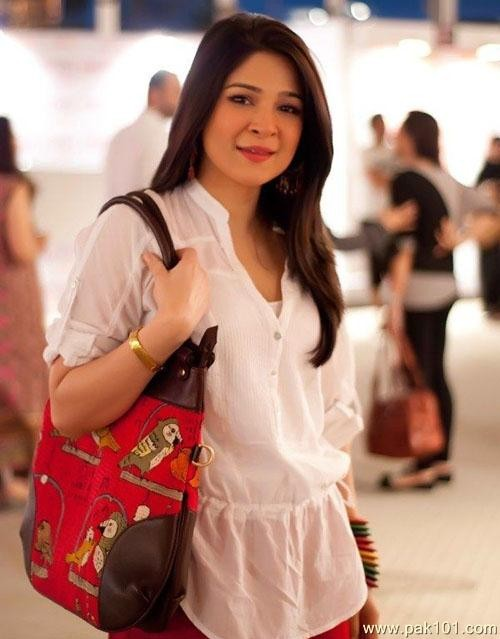Royal Enfield Hd Wallpapers Ayesha Omar Movies Amp Drama List Height Age Family Net