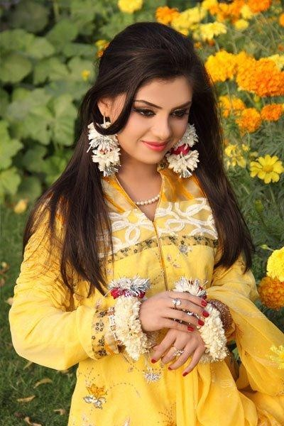 Punjabi Cute Girl Hd Wallpaper Rida Isfahani Biography Drama List Height Age Family