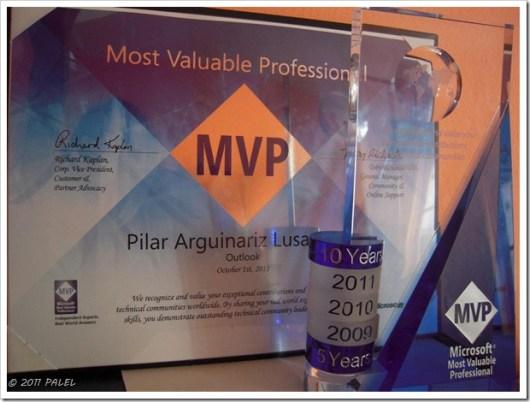 Diploma, trofeo y anillos de reconocimiento MVP