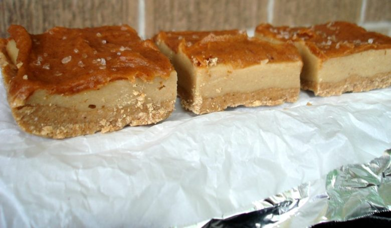 Paleo Apple Caramel Cheesecake Bars