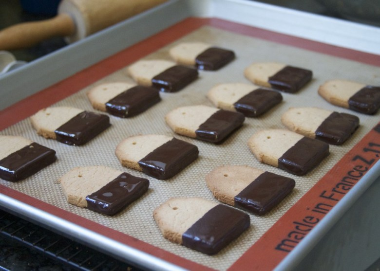 Paleo Shortbread Christmas Cookies