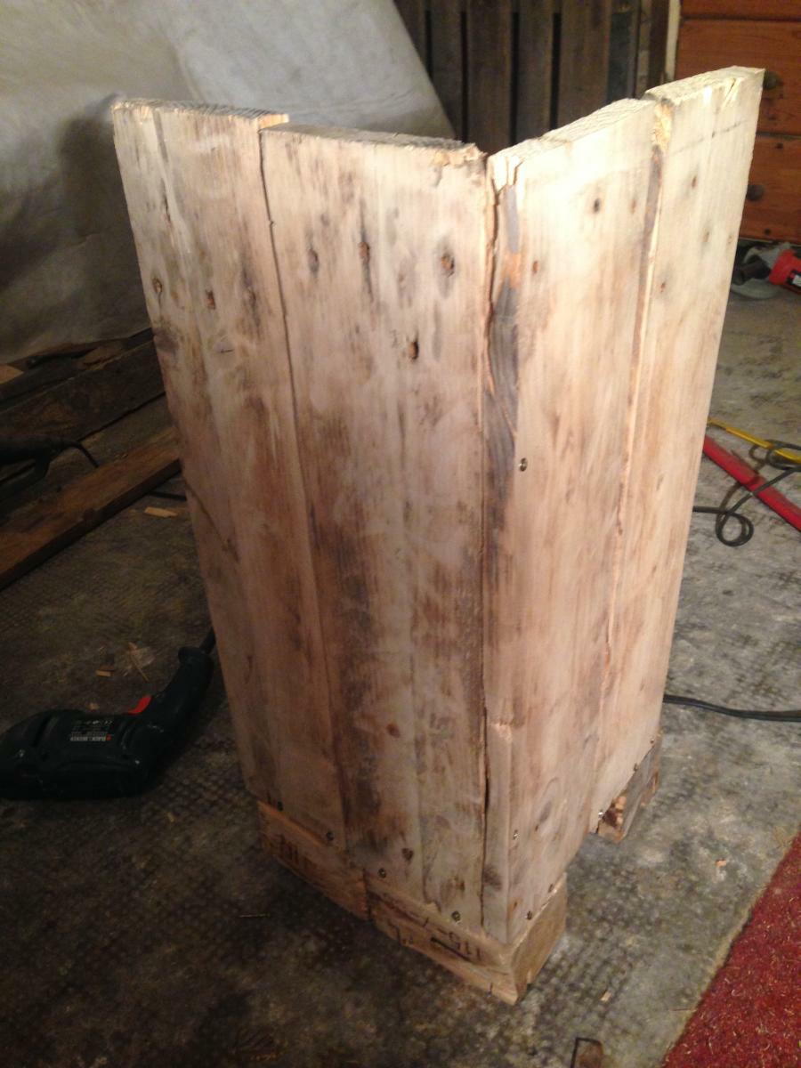 Schrank 120 Side Cabinet, Wind Light Made Of Pallets: Second Attempt