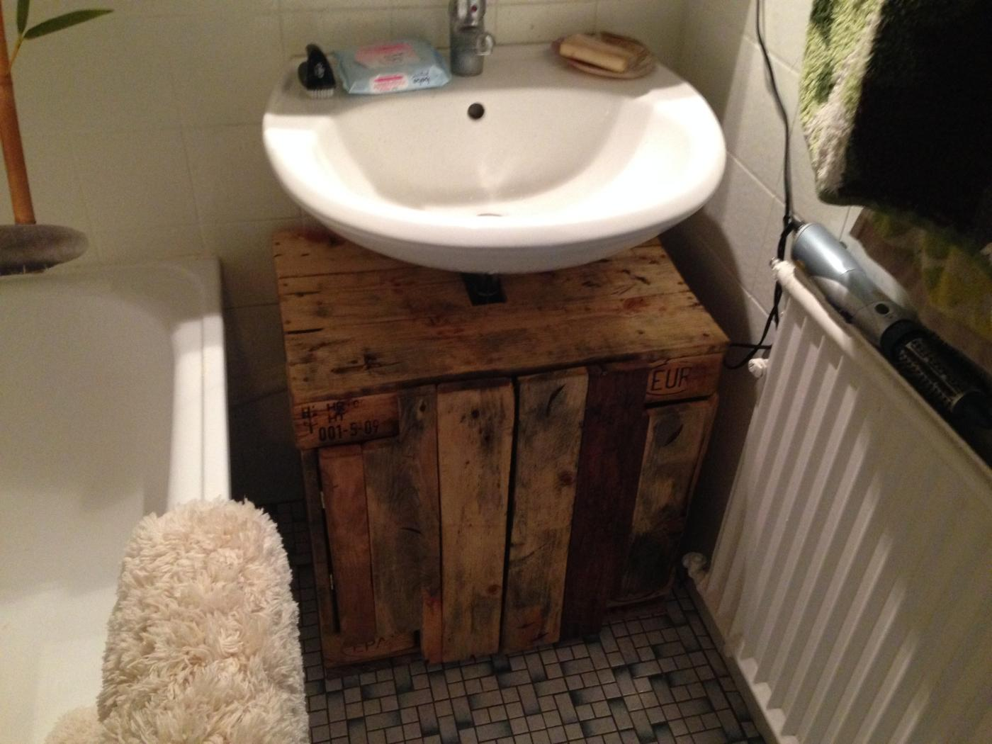 Badschrank Waschbecken Bathroom Cabinet: Cupboard Below Sink From Pallet Timber
