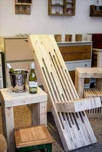 Awesome Wood Pallet Throne Chair