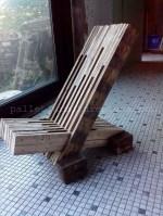 DIY Pallet Chair Plans