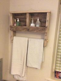 DIY Pallet Towel Rack with Shelf | Pallet Furniture Plans