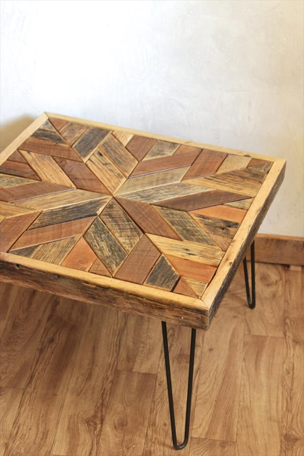 Pallet Coffee Table with Star Pattern Top