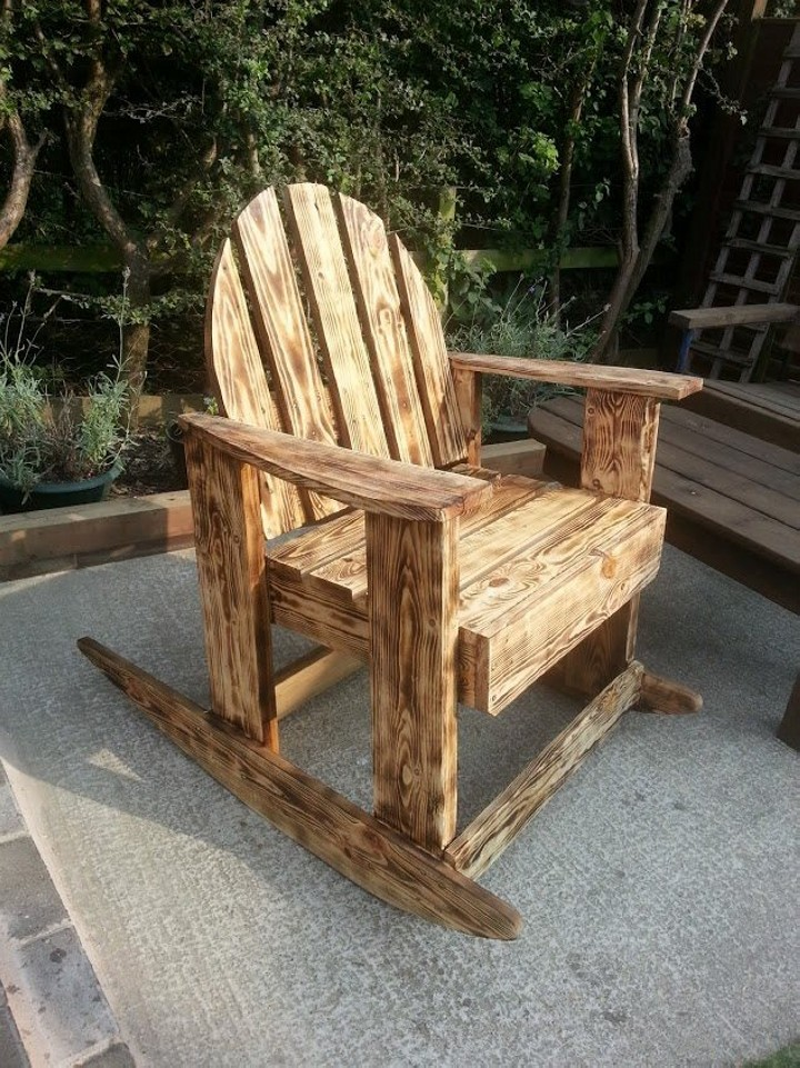Plan Fauteuil Adirondack En Palette Burnt Wood Effects Pallets Outdoor Chair | Pallet Ideas