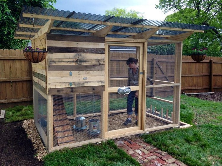 Porte Western Exterieur Chicken Coops Made Out Of Pallets | Pallet Wood Projects