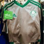 Terceira camisa do Palmeiras já é vendida no exterior