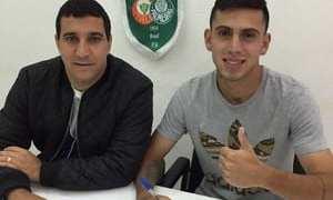 Com multa milionária, atacante da base renova com o Palmeiras