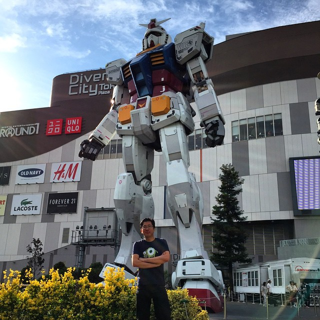 Gundam Robot - Riemer added for size