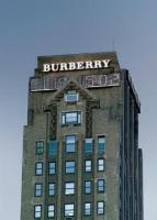 Image {focus_keyword} Semestre a +6% per Burberry  37352 2009101592554