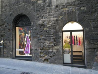 Image {focus_keyword} Nuova boutique a Perugia per Who*s Who  39340 201083112137