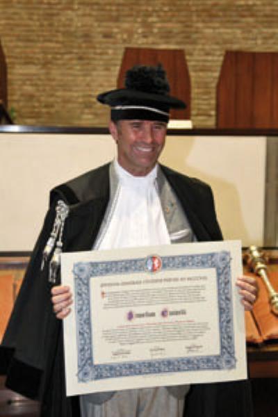 Image {focus_keyword} A Brunello Cucinelli la laurea ad honorem dall'Università di Perugia 39825 20101111163924