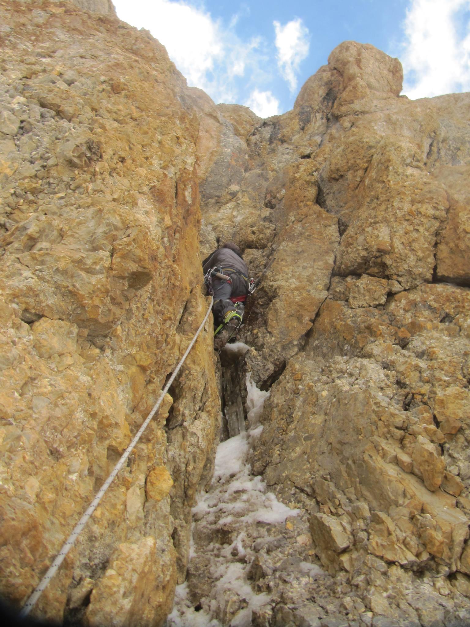 Three Shimshali rock climbers summit 6000 m high 'Sher ...