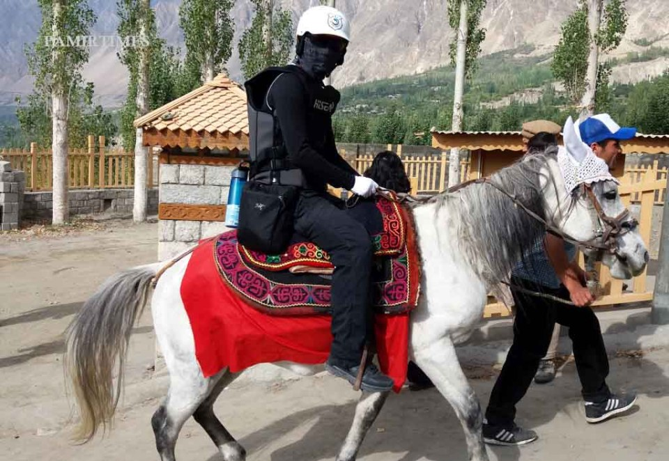 chinese-tourists-in-hunza-6