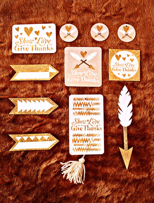 Glittery Gold Free Thanksgiving Printables | Deanna Moore Design (photo credit : Jen CYK)