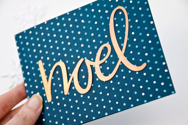 http://i0.wp.com/papercrave.com/wp-content/uploads/2015/11/diy-noel-die-cut-copper-metallic-iridescent-card3.jpg?resize=650%2C433