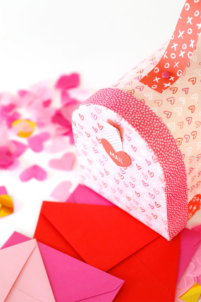 Free Printable Valentine's Day Mailbox from Damask Love