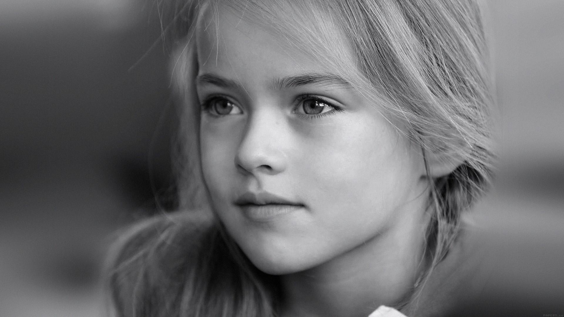 Fall Wallpaper Iphone 7 Plus Hd74 Kristina Pimenova Cute Girl Model Bw Dark Papers Co