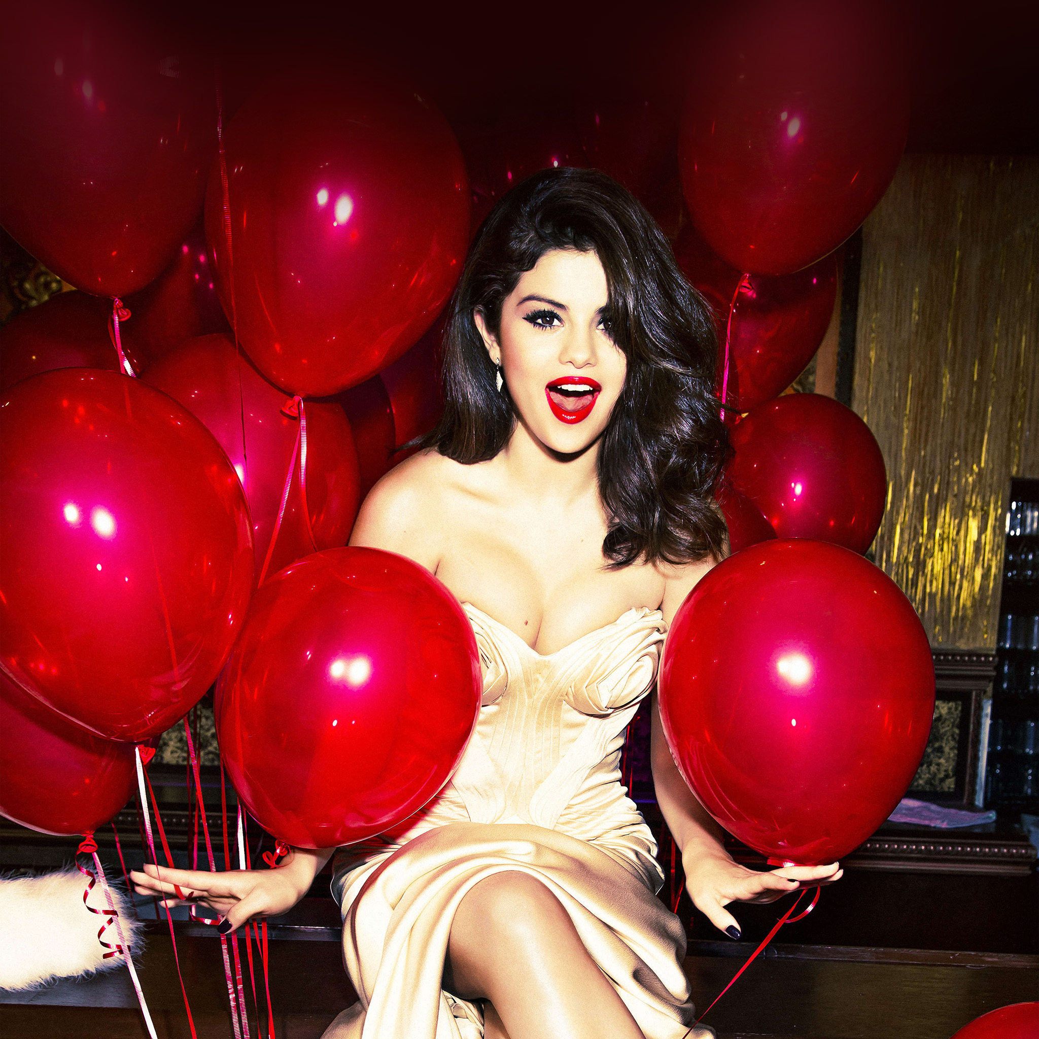 Anime Girl Iphone Wallpapers Hh76 Selena Gomez Red Dress Balloon Party Wallpaper