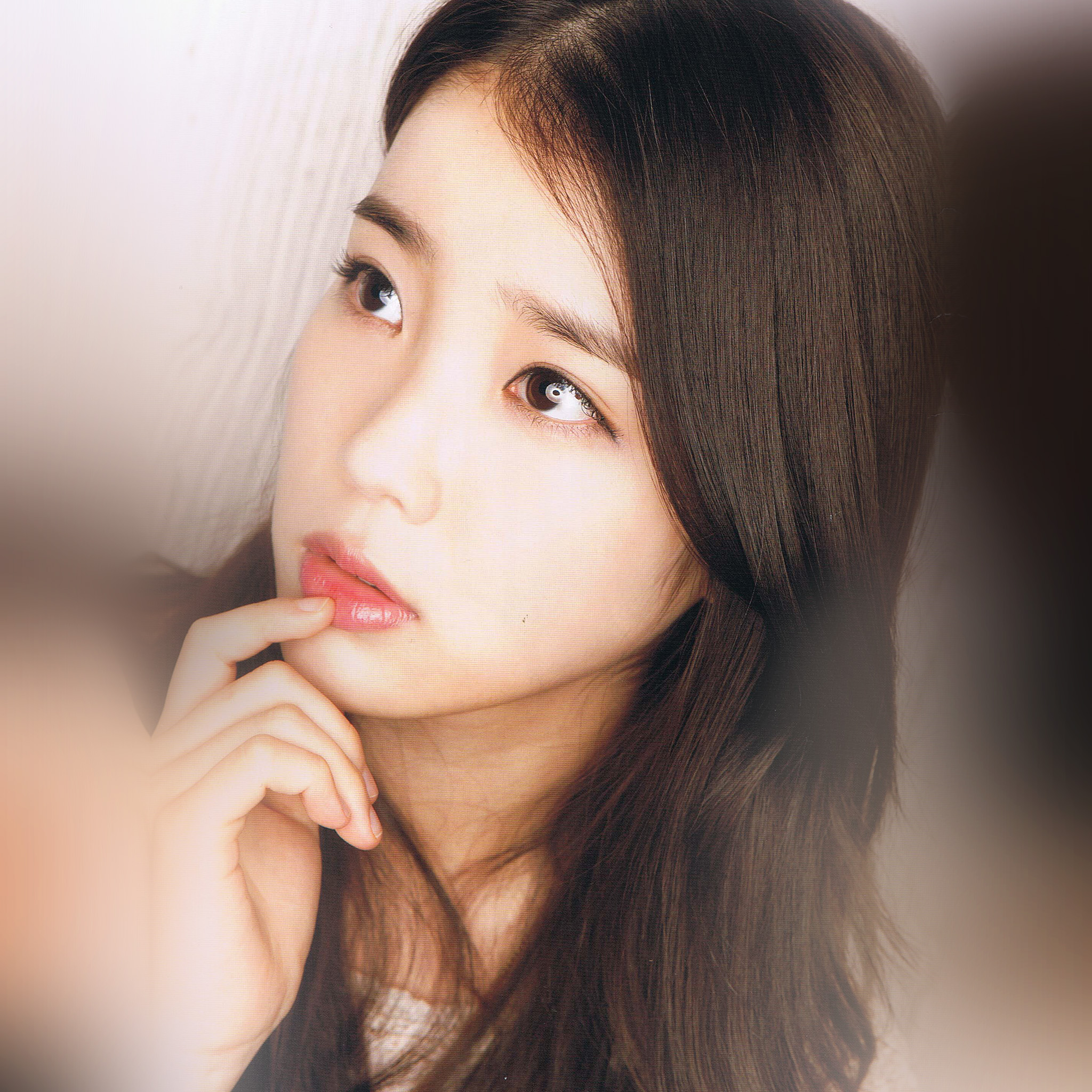 Cute Small Girl Hd Wallpaper Hl65 Kpop Iu Girl Music Cute Wallpaper