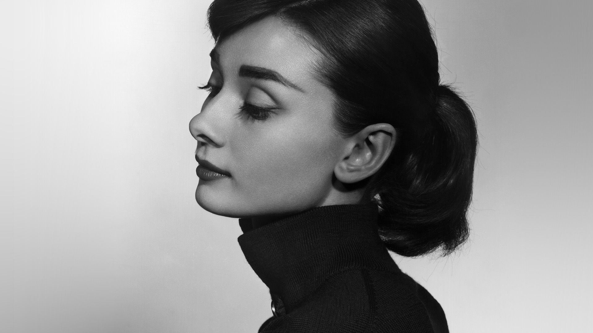 Car Wallpapers For Iphone 7 Hn97 Audrey Hepburn Bw Film Dark Wallpaper