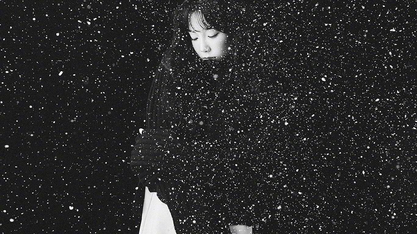Fall Flower Computer Wallpaper Ho98 Snow Girl Snsd Taeyeon Black Bw Kpop Wallpaper
