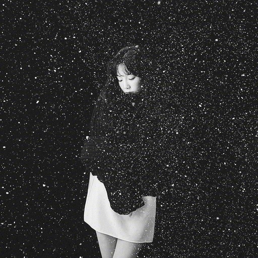Cool Iphone Car Wallpapers Ho98 Snow Girl Snsd Taeyeon Black Bw Kpop Wallpaper