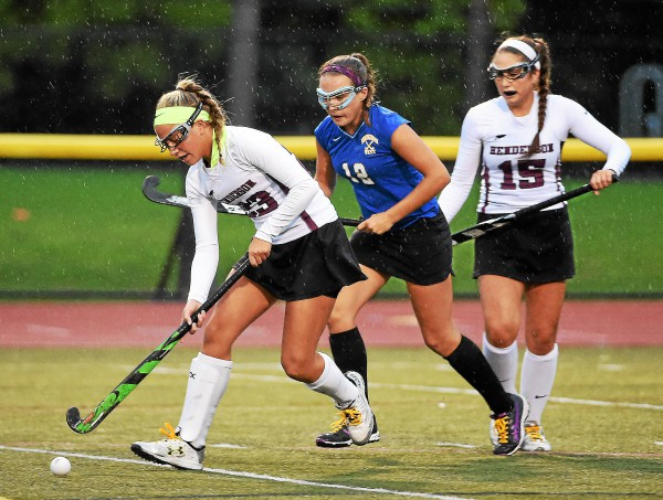 Downingtown West edges WC Henderson in wet battle of Ches-Mont fied hockey leaders