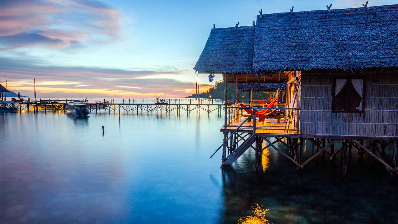 Design Toilet Water Bungalows At The Heart Of Raja Ampat - Papua