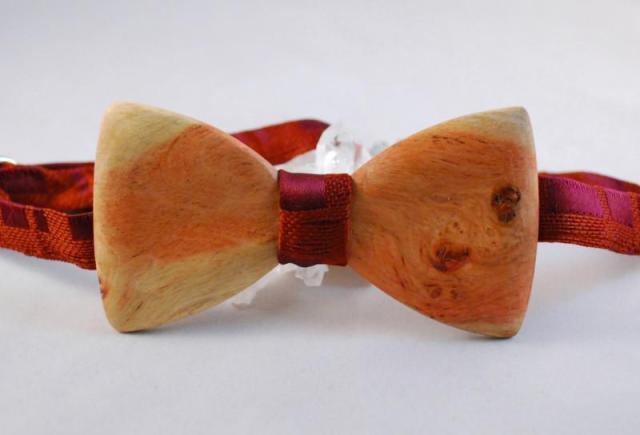 τζεπέτο-ξύλινη-κολεξιόν-χαρουπιά
